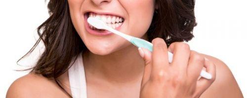 9 nejčastějších omylů, které si myslíme o zubní hygieně